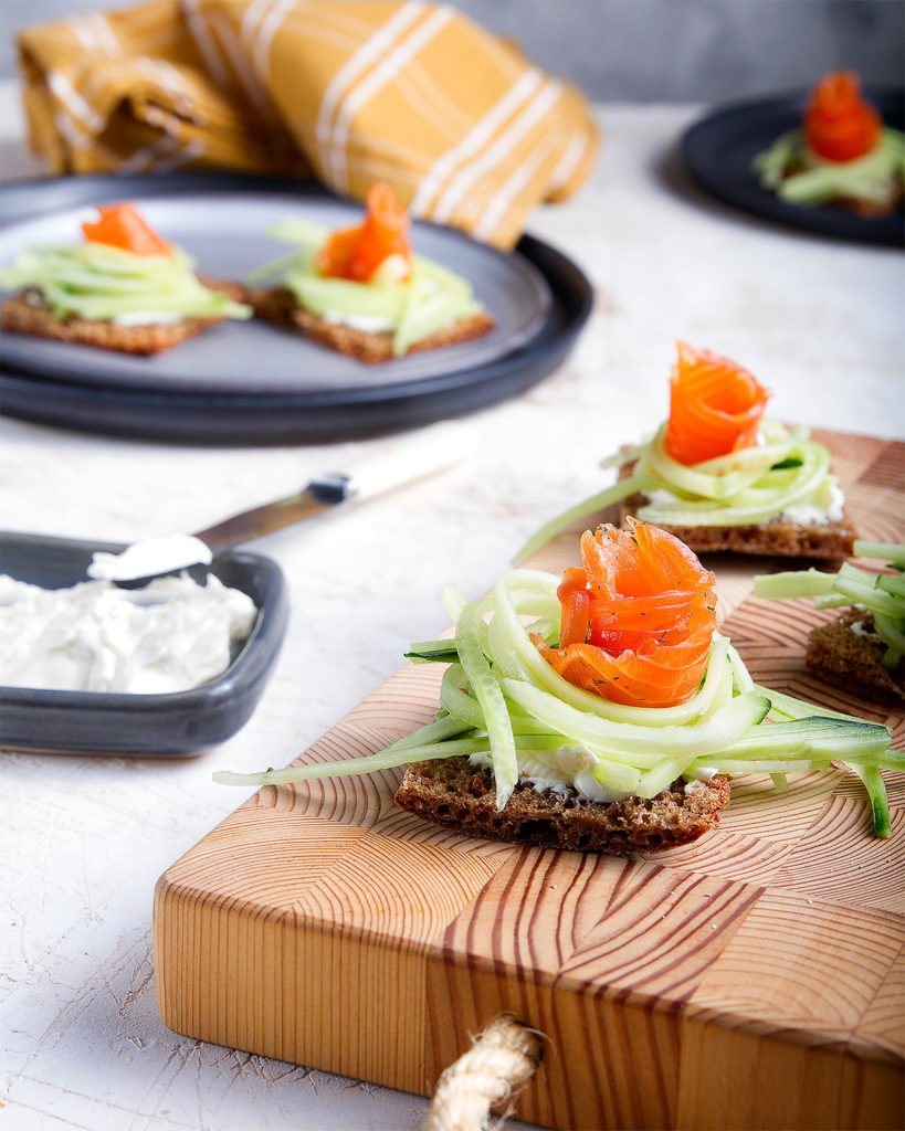 salmon sandwitches with cucumber
