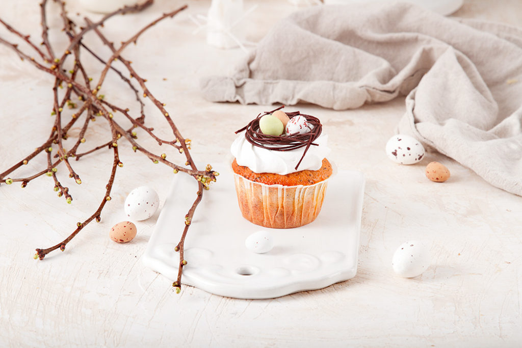 Easter muffins with chocolate nests