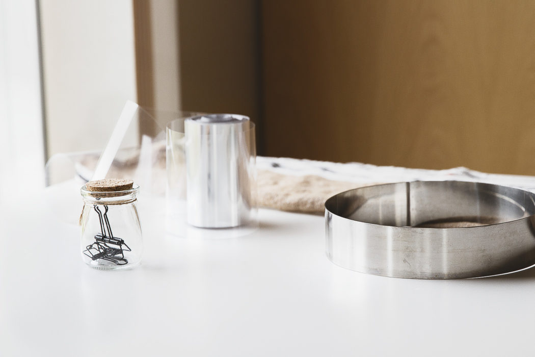tools for bird's milk cake